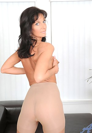 Best Mature Pantyhose Porn Pictures