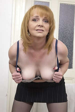 Best Mature Skirt Porn Pictures