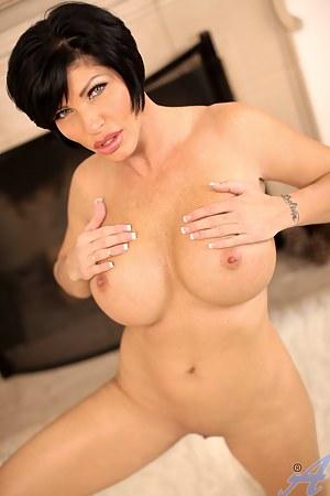 Best Mature Brunette Porn Pictures