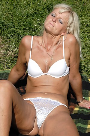 Best Mature Cameltoe Porn Pictures
