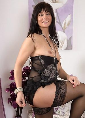Best Mature Lingerie Porn Pictures