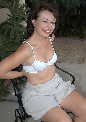 Best Mature Outdoor Porn Pictures