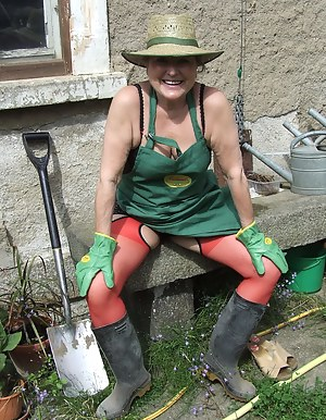 Best Mature Farm Porn Pictures