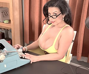 Best Mature Secretary Porn Pictures
