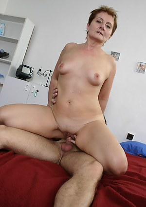 Best Short Hair Mature Porn Pictures