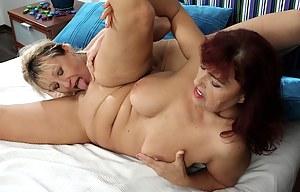 Best Mature Lesbian Porn Pictures