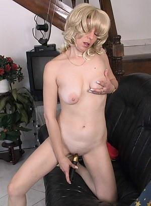 Best Mature Masturbation Porn Pictures